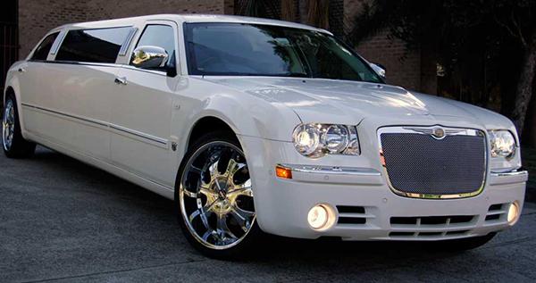 300m-stretch-limousine
